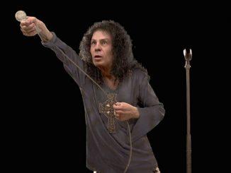 Ronnie-James-Dio-rivive-con-un-ologramma-sul-palco-effetto-impressionante