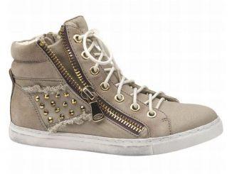 Come sfruttare le sneakers alte