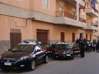 Siracusa: donna carabiniere spara al marito. Poi si toglie la vita