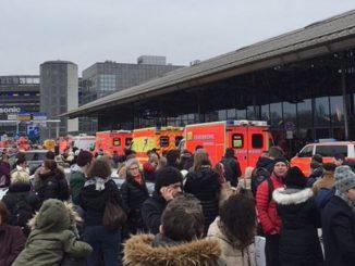 evacuato aeroporto