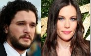 Liv Tyler sul set di Gunpowder insieme a Kit Harington di Game of Thrones