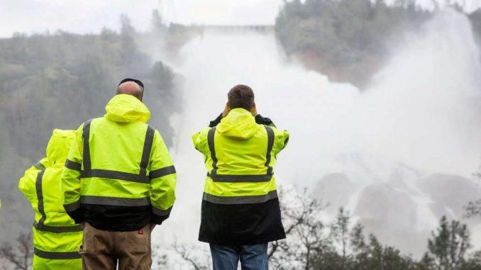 Una diga fa paura in California