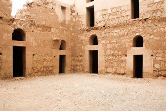 Cortile interno di Qasr Kharana