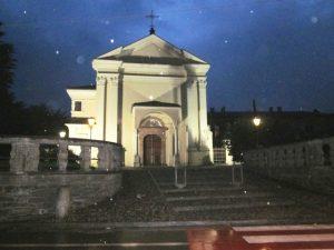 Luino, chiesa di notte