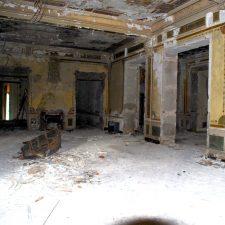 Salone abbandonato della villa