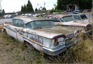 Auto abbandonata nel cimitero dell'Oregon