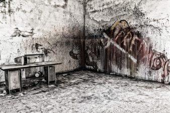 Locale dell'ex ospedale in completo degrado