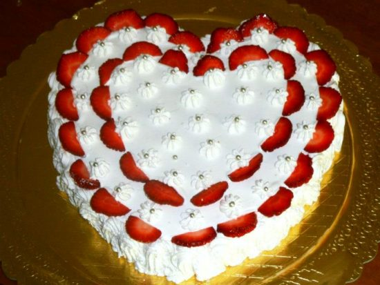 San Valentino: Ricetta completa della torta a forma di cuore