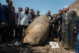 Scoperta al Cairo una statua monumentale del Faraone Ramses II