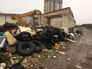 Terra dei fuochi: sequestrata discarica. I rifiuti ricoprivano un'area di 5 km quadrati