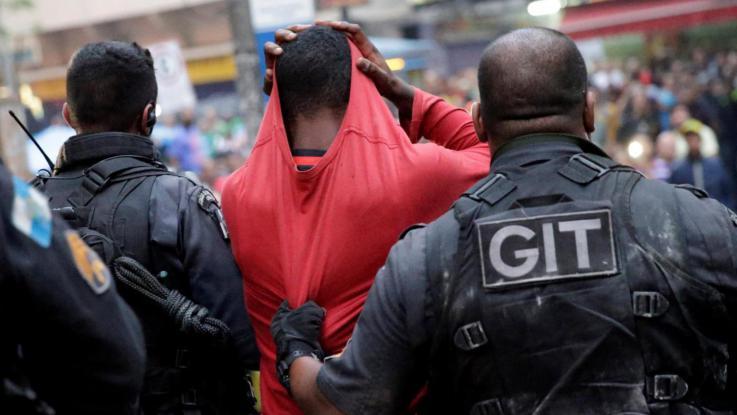 Brasile: il portiere assassino torna in campo