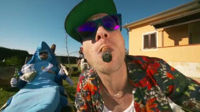 Clementino: Fumo, testo canzone completo