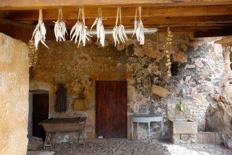 Esterno di una casa del villaggio