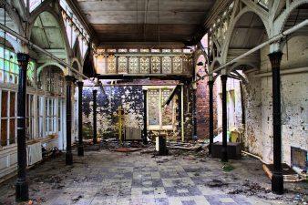 Stanza della Hafodunos Hall in abbandono