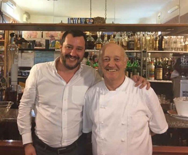 Matteo Salvini a cena dal ristoratore che ucciso i ladri