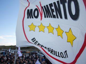Movimento 5 Stelle: basta vitalizi o chiameremo il popolo sotto il Parlamento