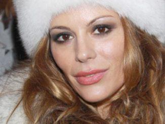 Naike Rivelli contro Striscia la Notizia Antonio Ricci non paga i servizi