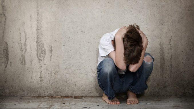 Napoli: tredicenne violentato da 11 ragazzi minorenni