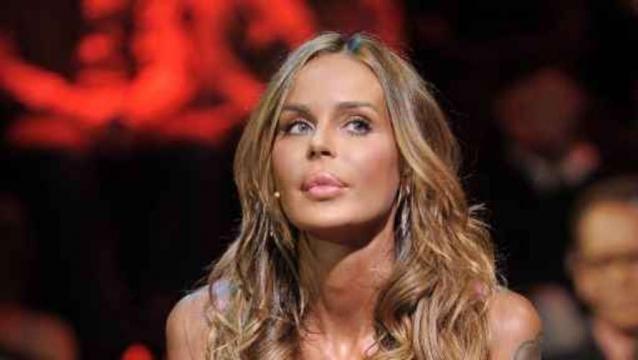 Nina Moric scende in politica: ' Potrei candidarmi con Casa Pound'