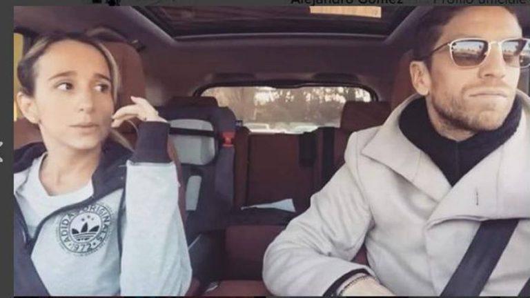 Papu Gomez canta Romeo Santos in auto