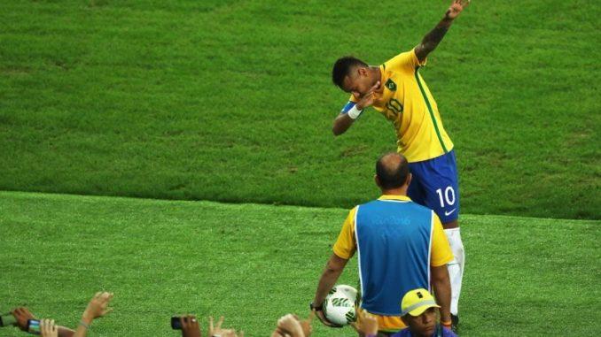 Russia 2018: tris del Brasile, cade l'Uruguay