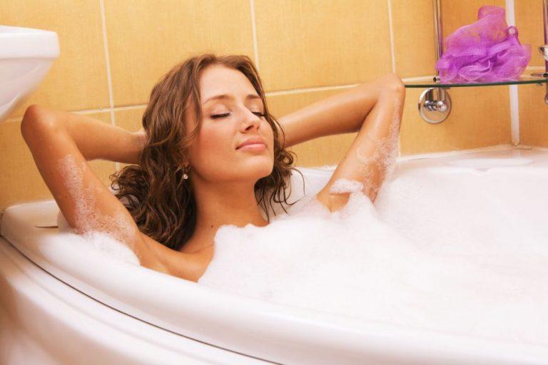 Salute: fare un bagno caldo aiuta a bruciare calorie