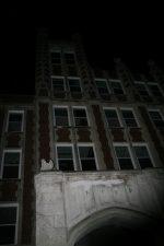 Inquietante immagine del sanatorio di notte