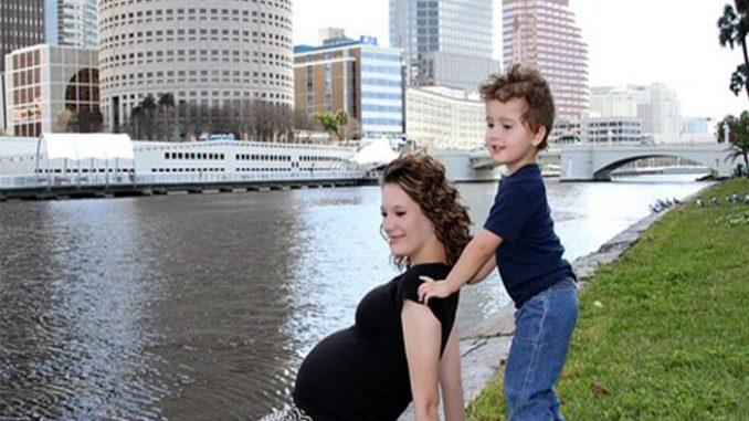 Maternità: come funziona e come richiederla