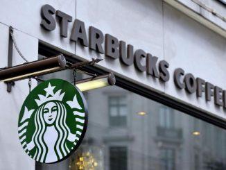 Starbucks Milano: assumeranno migranti e milanesi in difficoltà
