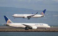 Usa: volo vietato per due ragazze con i leggins. United Airlines nella polemica