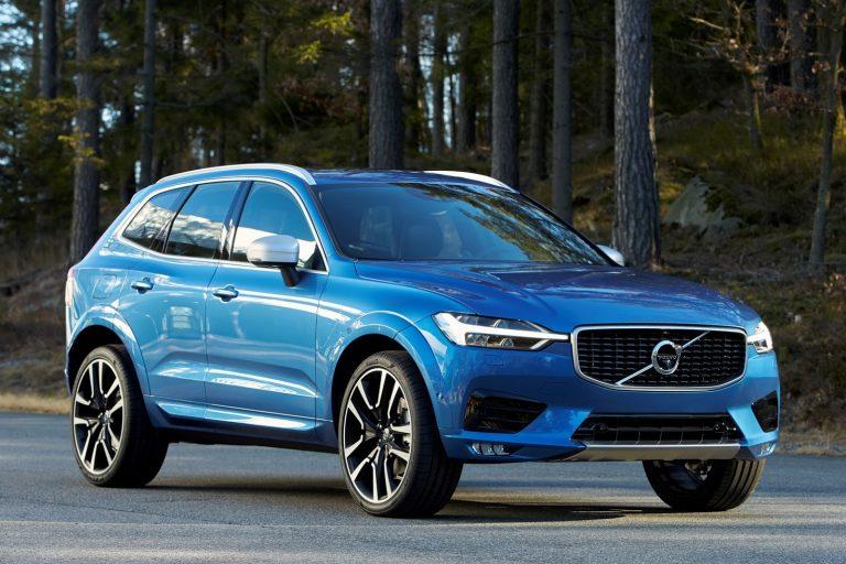 Volvo XC60: bagagliaio, prezzo, consumi e motori