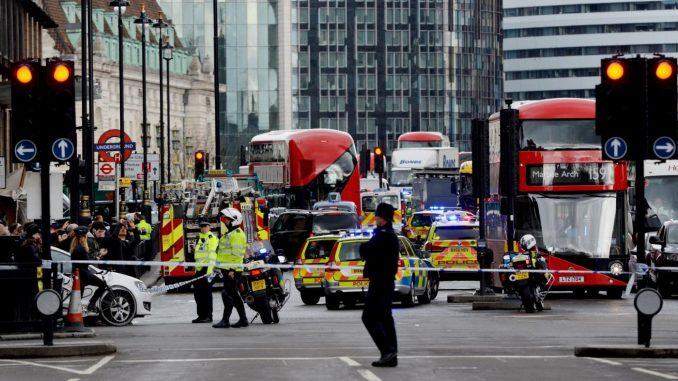 Londra: identificato l'attentatore. I morti salgono a cinque