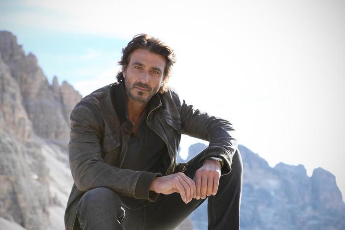 Un passo dal cielo: Daniele Liotti conferma la quinta stagione