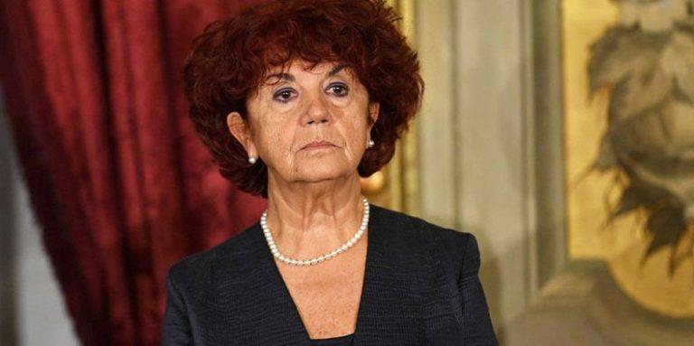 Redditi dei politici svelati fedeli la pi ricca del for Elenco senatori italiani
