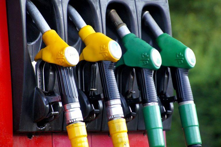 Come far fronte al caro benzina e risparmiare