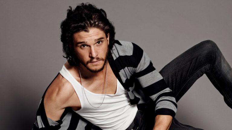 """Kit Harington a Napoli: il Jon Snow di """"Game of Thrones"""" in uno spot di Dolce & Gabbana"""