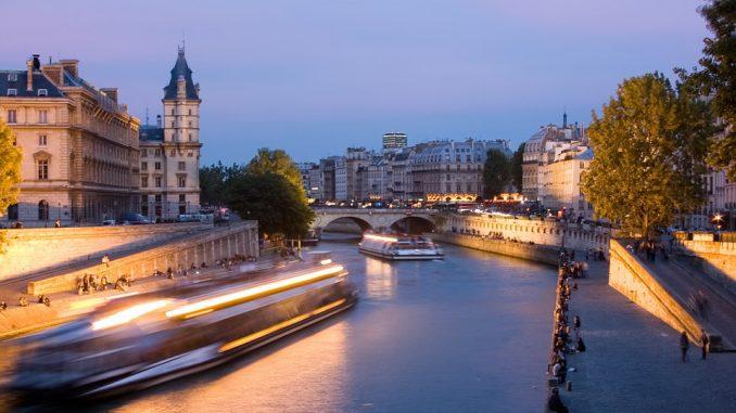 Parigi: cena su battello sulla Senna