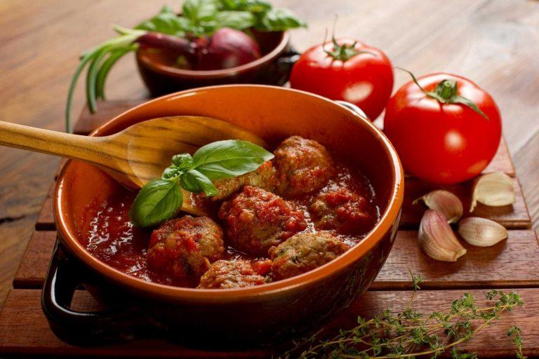 Polpette al sugo: ricetta tradizionale