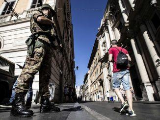 Terrorismo: zona massima sicurezza in area Colosseo