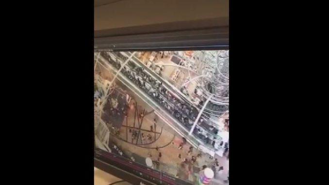 Hong Kong: scala mobile impazzita cambia senso di marcia, 18 feriti COMMENTA
