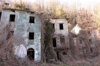 Altre case abbandonate ancora