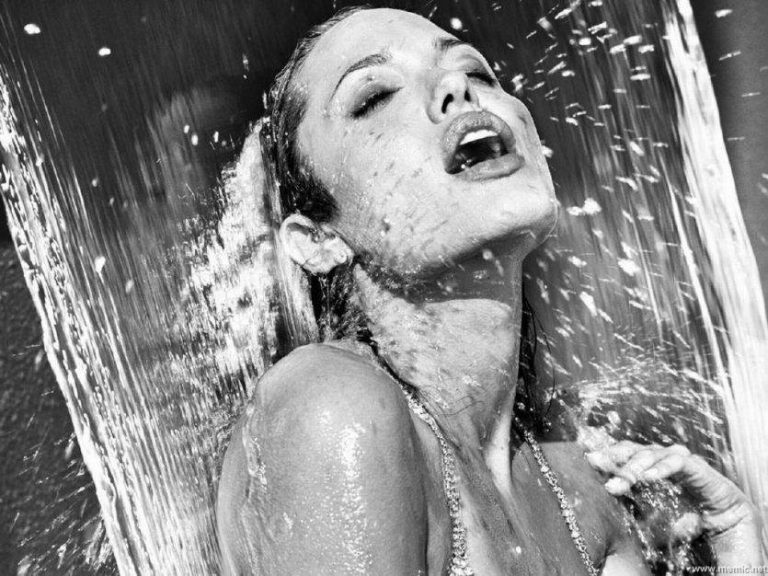 SQUIRTING.