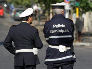 Palermo: vigili chiedevano favori per evitare le multe. Le richieste passavano dal lavoro per l'amante a regali