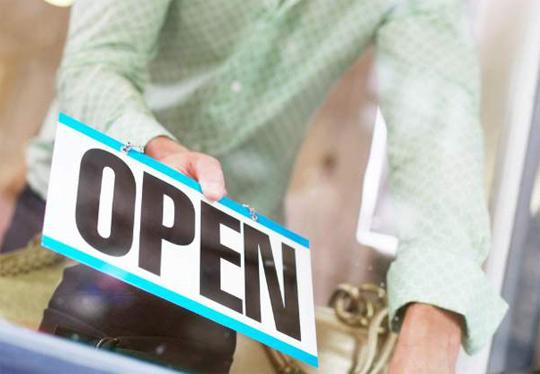 Aprire un negozio: meglio il franchising o un marchio nuovo?