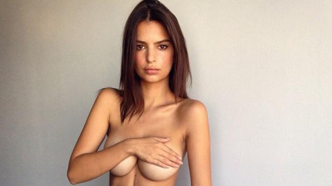 Emily Ratajkowski completamente nuda