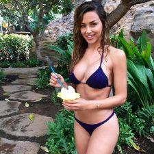 Ana Cheri - la coniglietta Playboy che fa impazzire il web