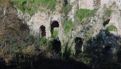 Grotte di Castro, comune di cui Borghetto e frazione