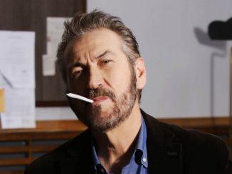 """ANP accusa le serie tv Gomorra e Rocco Schiavone: """"C'è una spudorata promozione del fumo"""""""