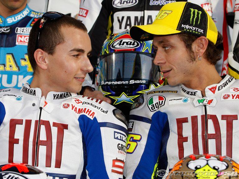 MotoGP: una petizione per dare il titolo 2015 a Rossi e toglierlo a Lorenzo