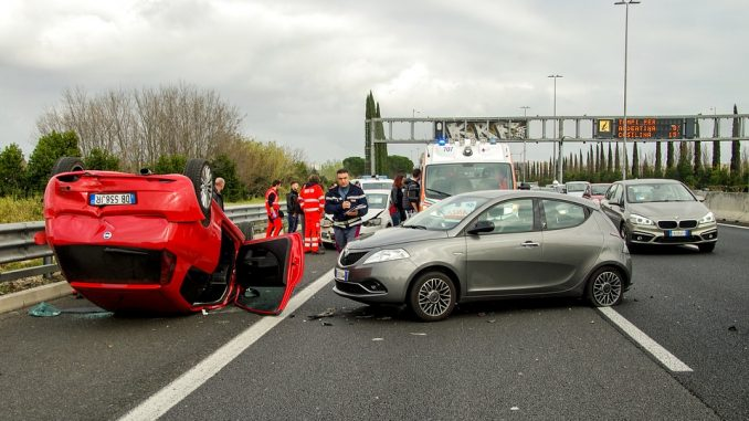 Incidente auto straniera